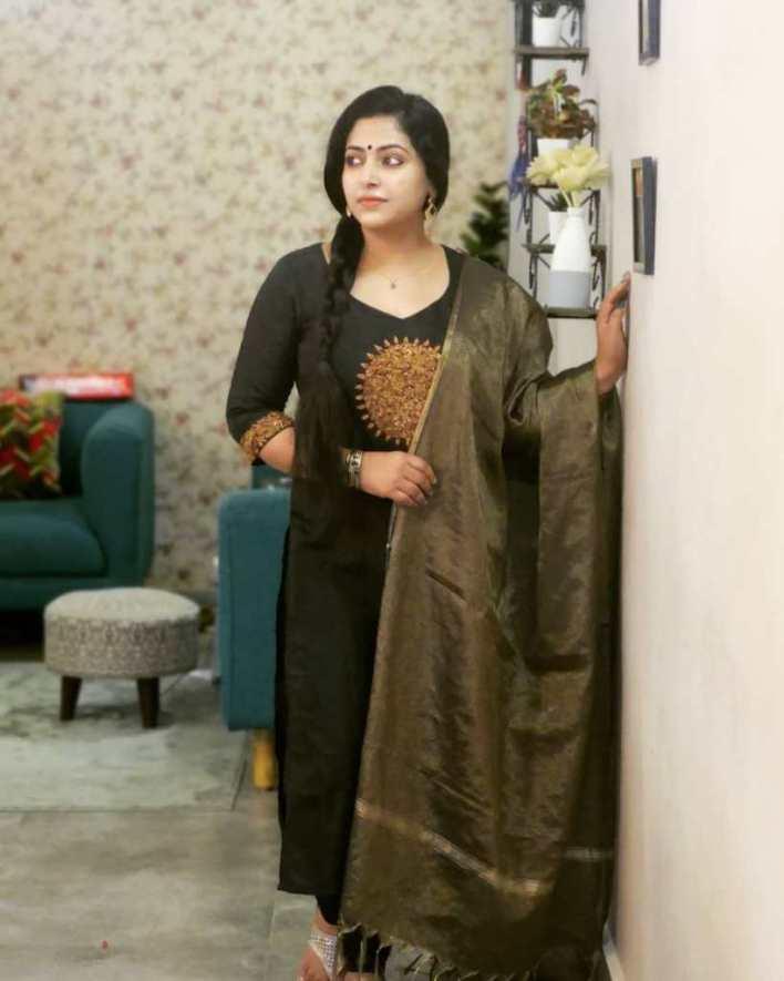 49+ Lovely Photos of Anu Sithara 5