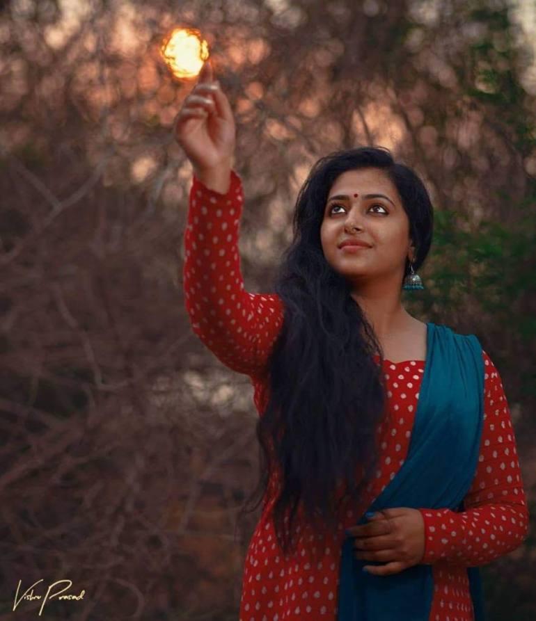 49+ Lovely Photos of Anu Sithara 108