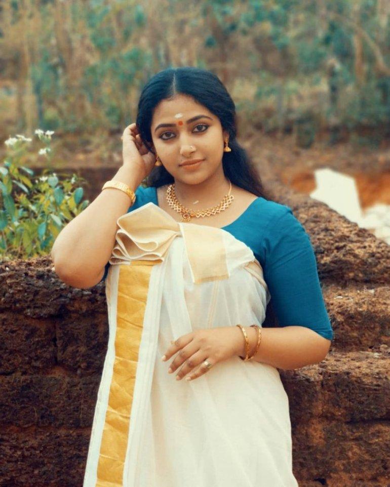 49+ Lovely Photos of Anu Sithara 124
