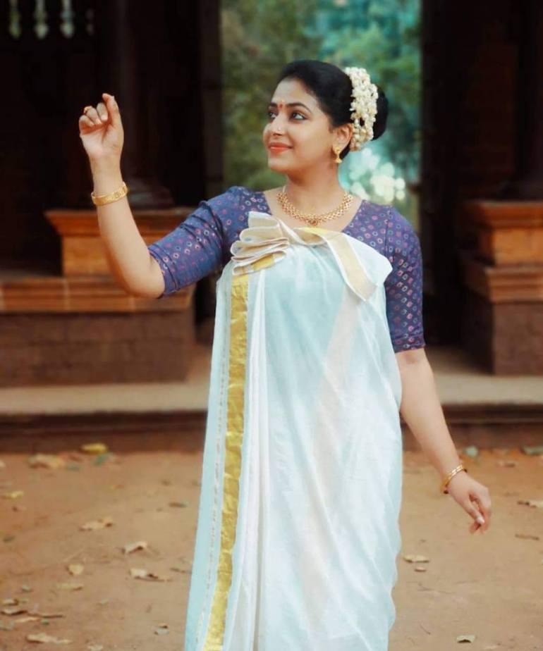 49+ Lovely Photos of Anu Sithara 42