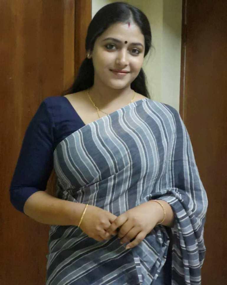 49+ Lovely Photos of Anu Sithara 46