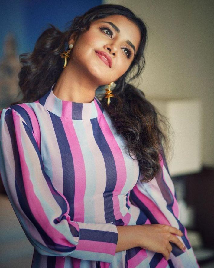54+ Gorgeous Photos of Anupama Parameswaran 8