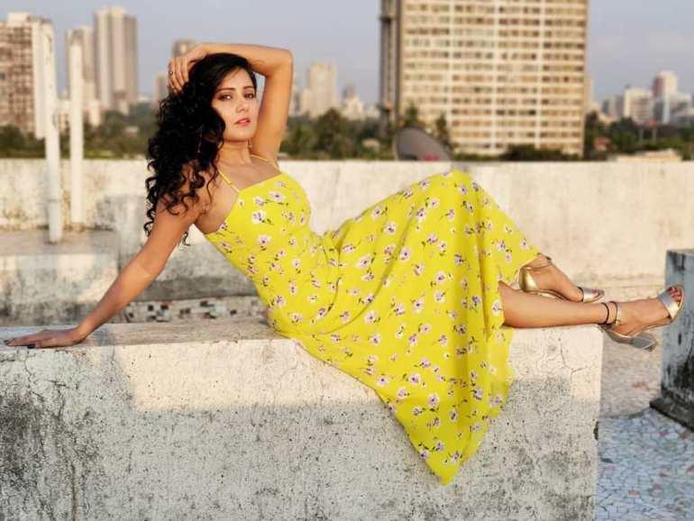 48+ Glamorous Photos of Archana Gupta 18
