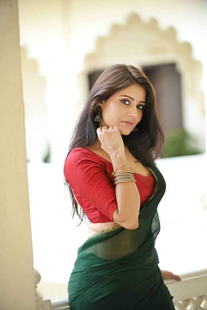 48+ Glamorous Photos of Archana Gupta 30