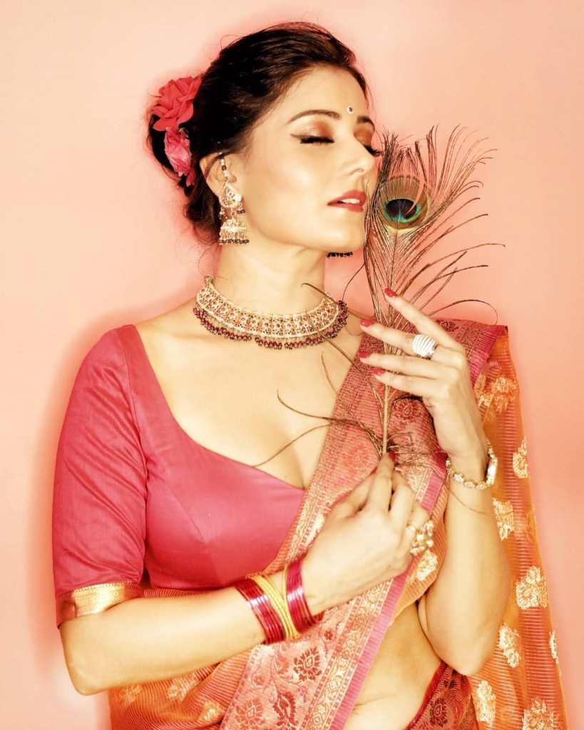 48+ Glamorous Photos of Archana Gupta 7