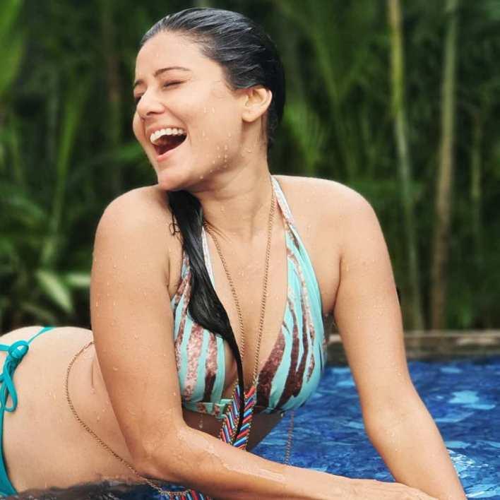 48+ Glamorous Photos of Archana Gupta 34