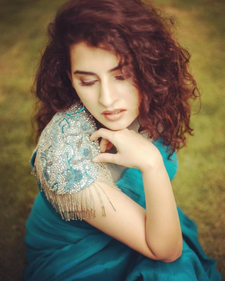 30+ Gorgeous Photos of Archana Shastry 101