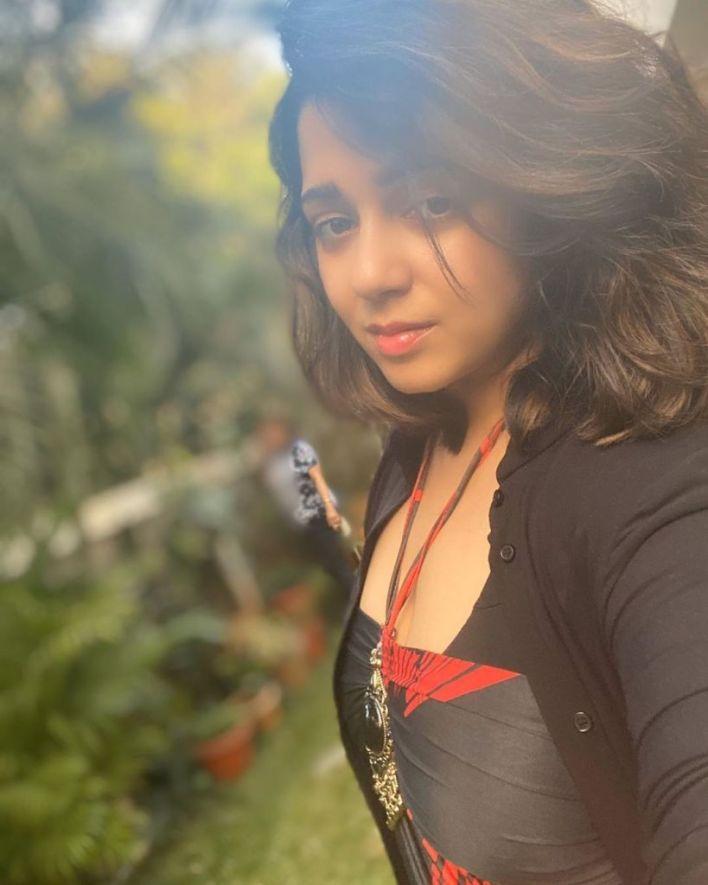 27+ Beautiful Photos of Charmy Kaur 19