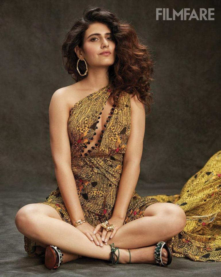 74+ Gorgeous Photos of Fathima Sana Shaikh 110