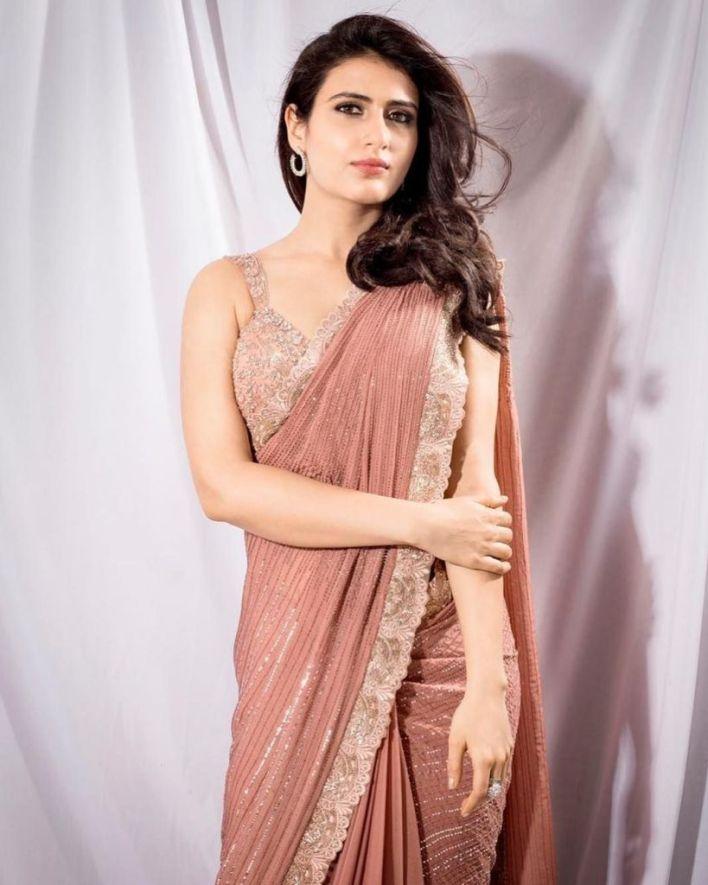 74+ Gorgeous Photos of Fathima Sana Shaikh 7