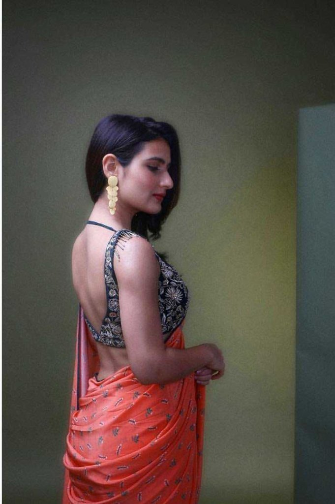 74+ Gorgeous Photos of Fathima Sana Shaikh 127
