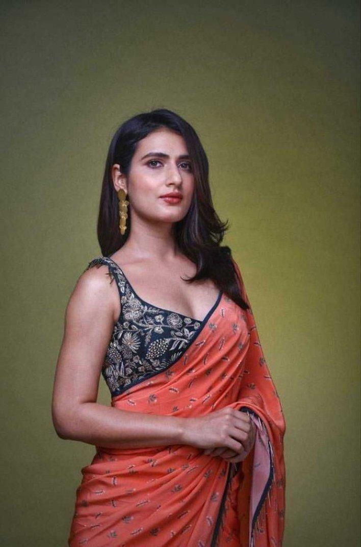 74+ Gorgeous Photos of Fathima Sana Shaikh 44