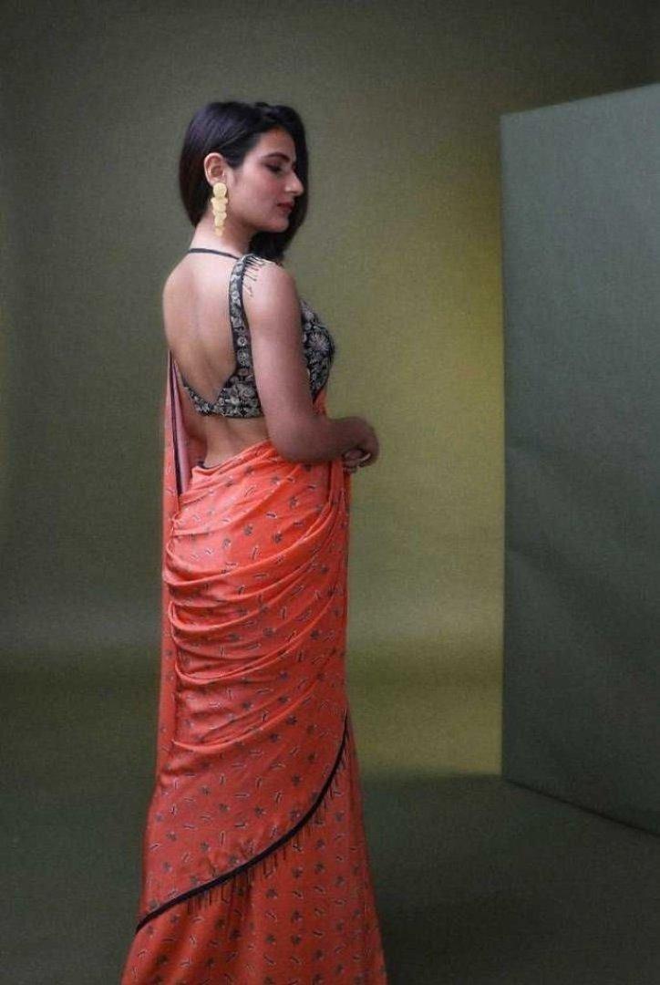 74+ Gorgeous Photos of Fathima Sana Shaikh 129