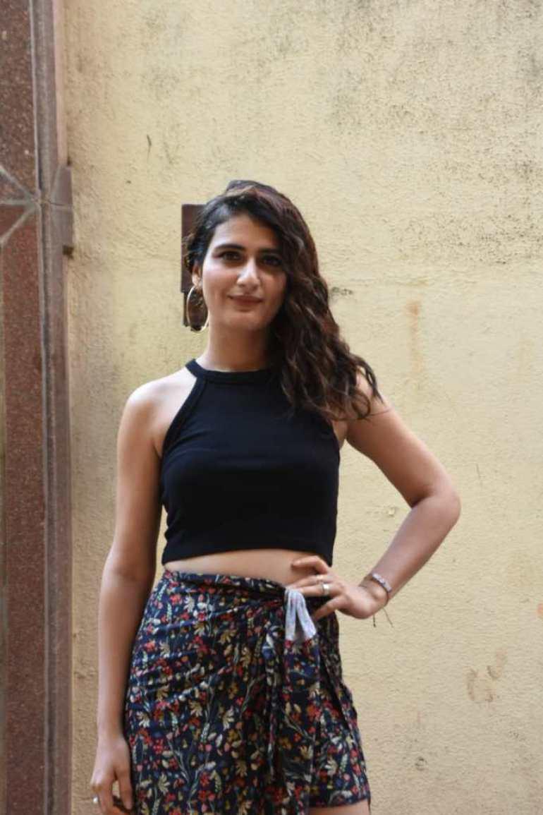 74+ Gorgeous Photos of Fathima Sana Shaikh 141
