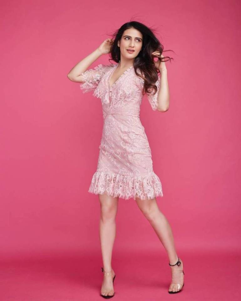 74+ Gorgeous Photos of Fathima Sana Shaikh 146