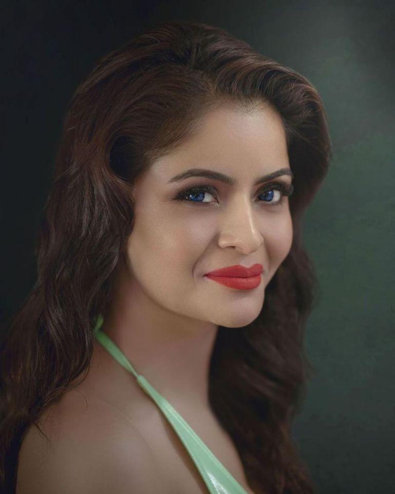 52+ Glamorous Photos of Gehana Vasisth 50