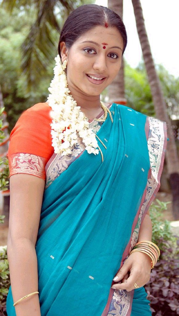 43+ Cute Photos of Gopika 13