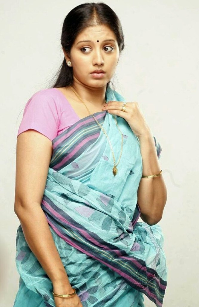 43+ Cute Photos of Gopika 33