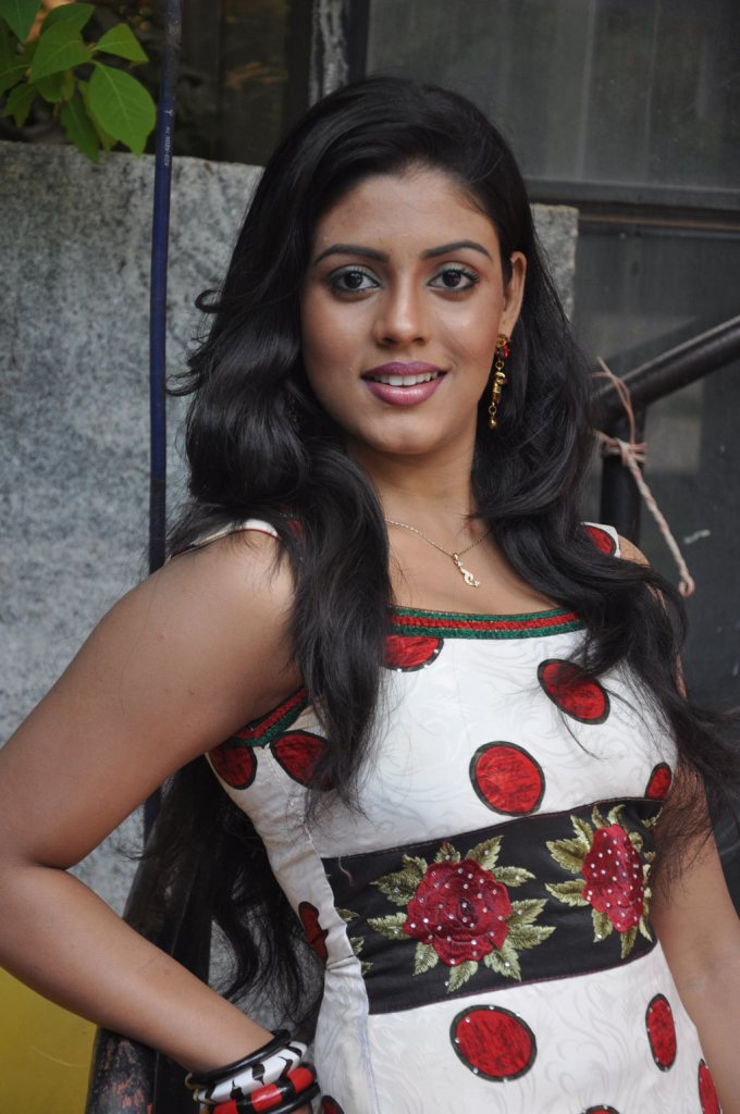 30+ Beautiful Photos of Iniya 25
