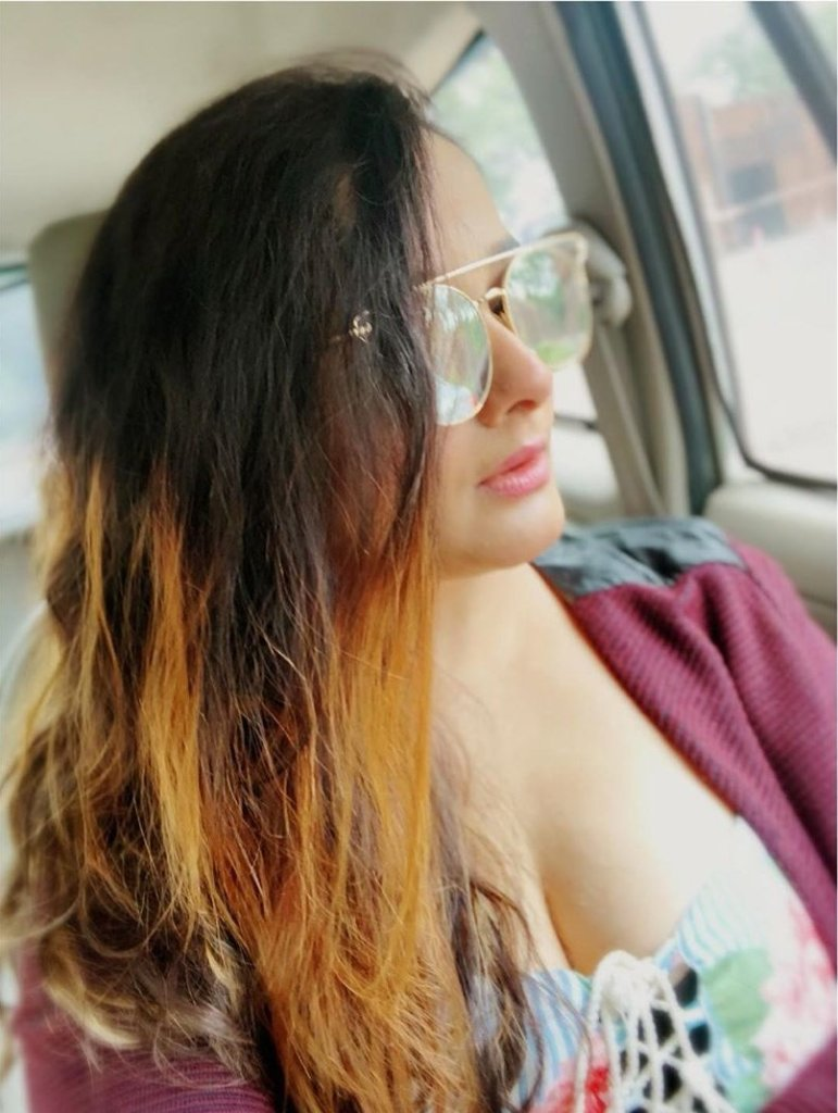 24+ Glamorous Photos of Kiran Rathod 14