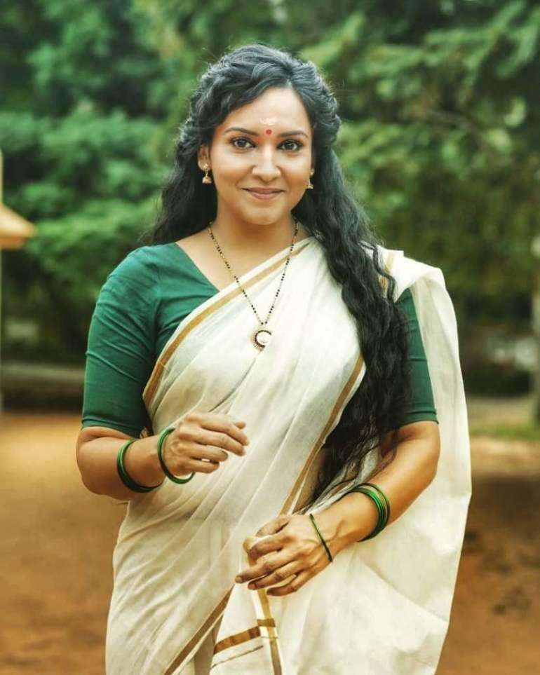 24+ Beautiful Photos of Lena Kumar 15