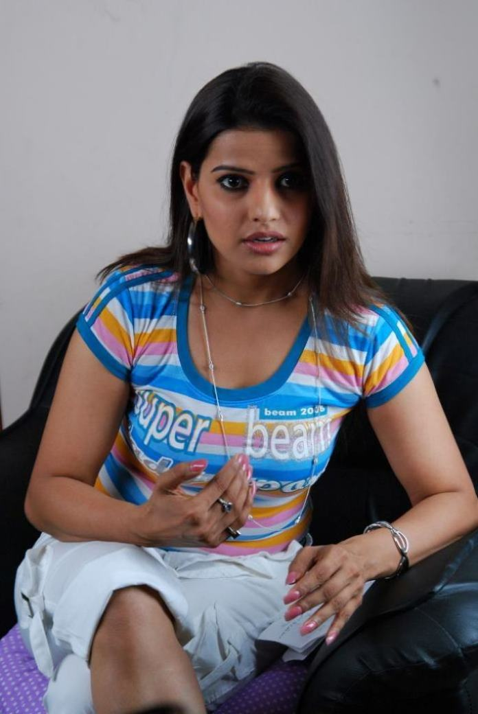 54+ Beautiful Photos of Madhu Sharma 40