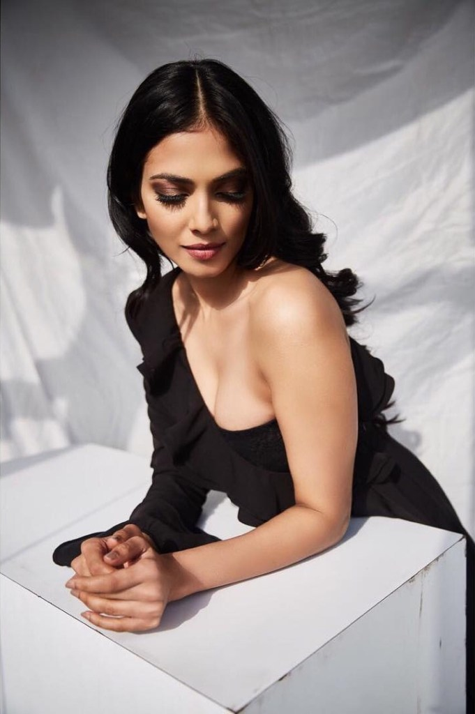 117+ Stunning Photos of Malavika Mohanan 123