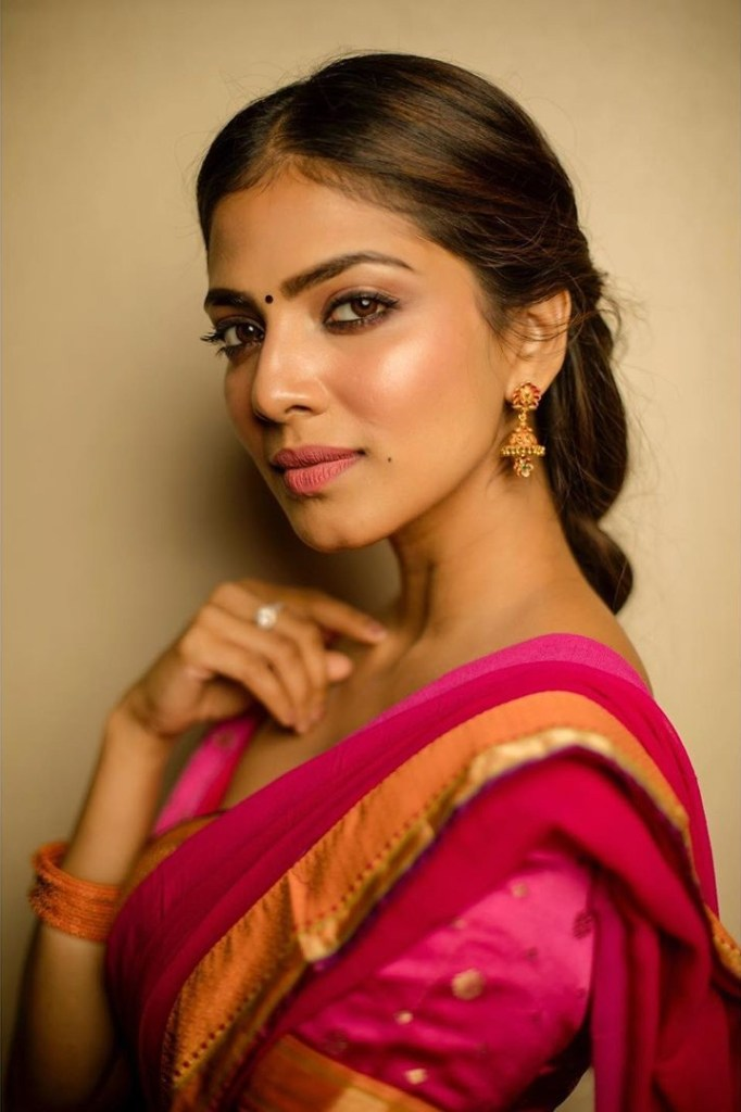 117+ Stunning Photos of Malavika Mohanan 185