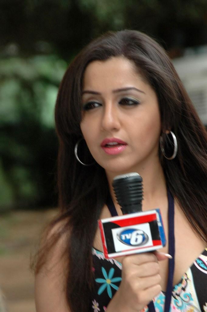 29+ Beautiful Photos of Mallika Kapoor 110