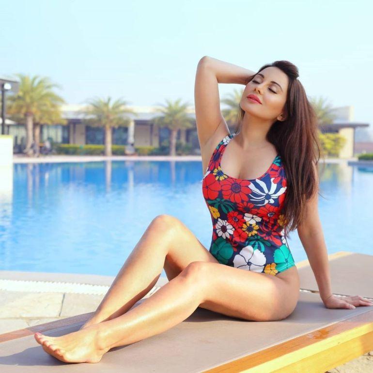 35+ Stunning Photos of Minissha Lamba 15