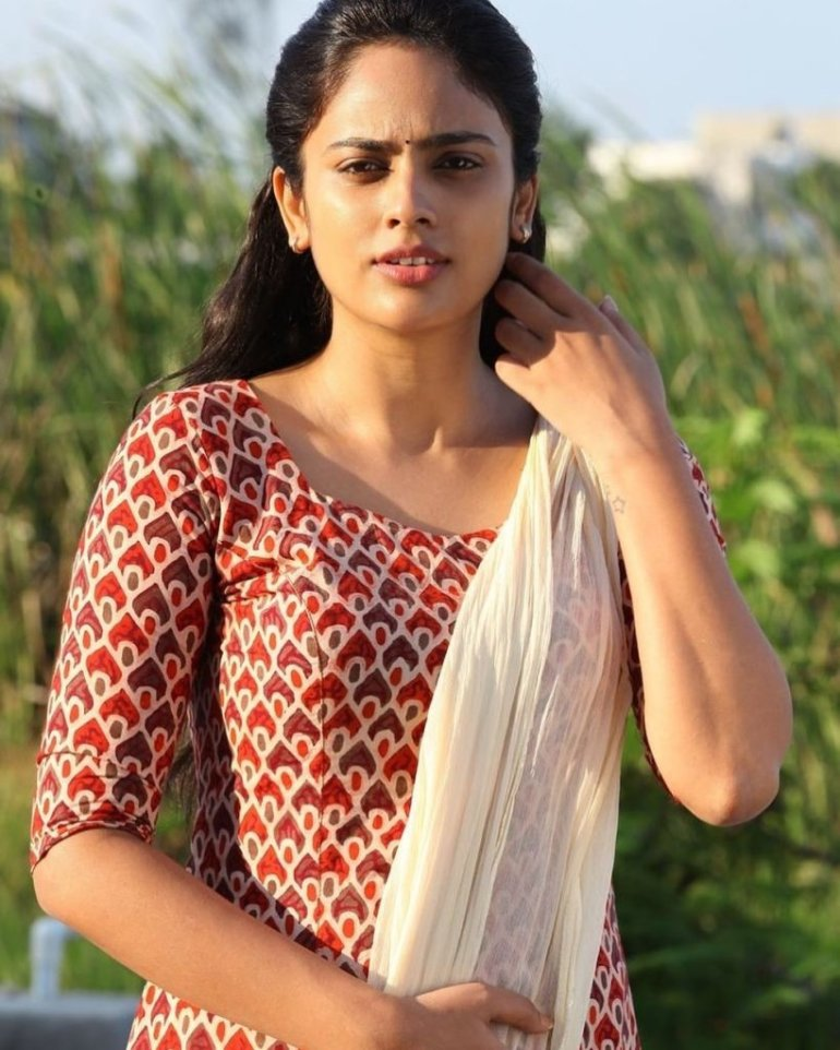 32+ Charming Photos of Nandita Swetha 92