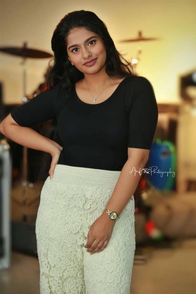 42+ Cute Photos of Nayanthara Chakravarthy 21