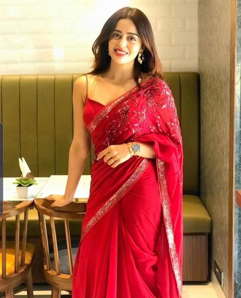 40+ Gorgeous Photos of Neha Pendse 125