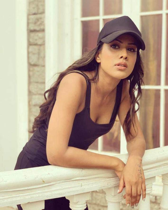 40+ Glamorous Photos of Nia Sharma 2