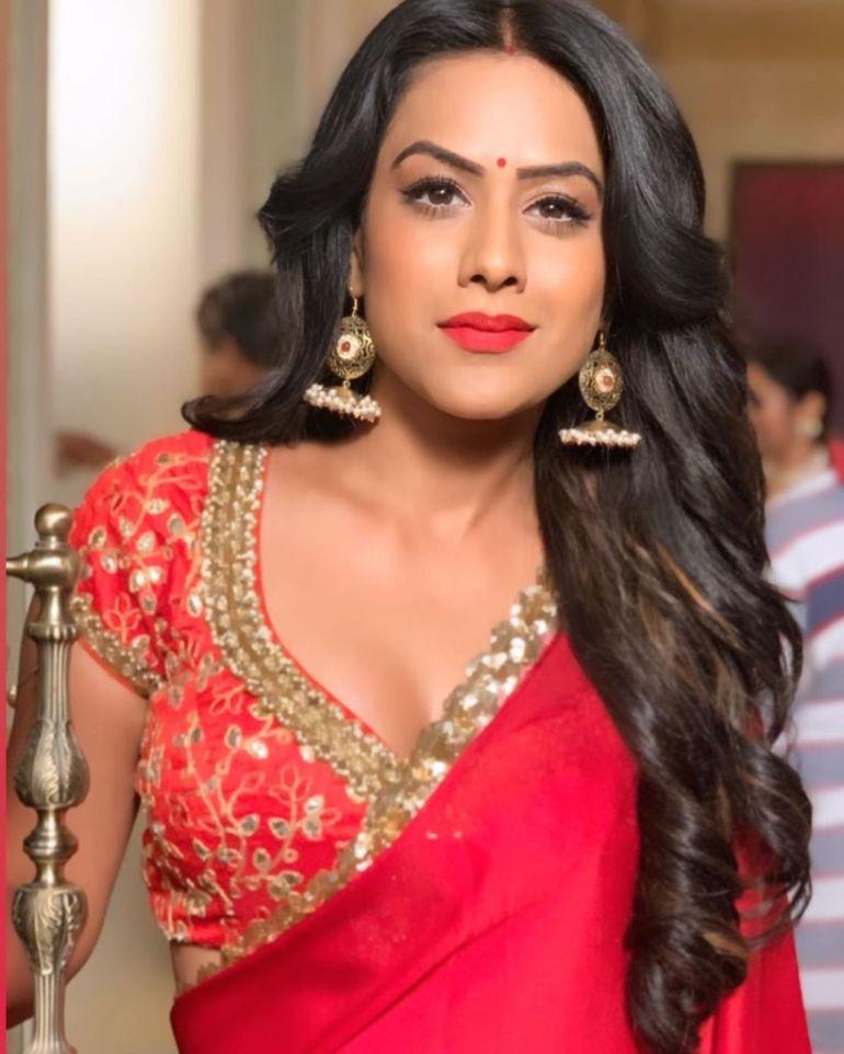 40+ Glamorous Photos of Nia Sharma 16