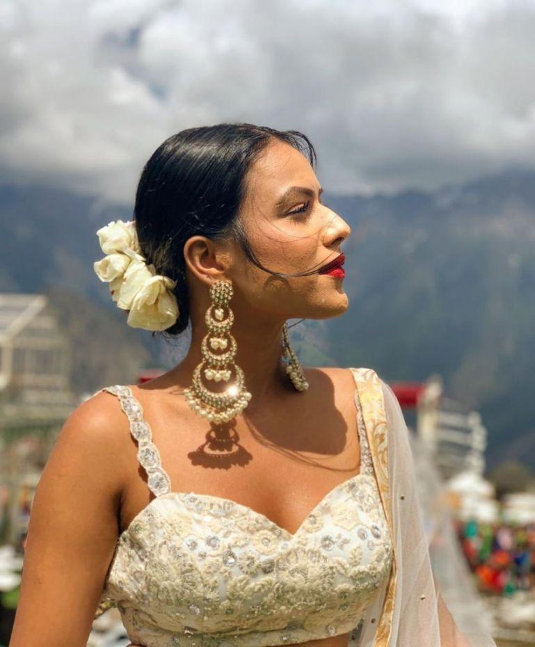 40+ Glamorous Photos of Nia Sharma 88