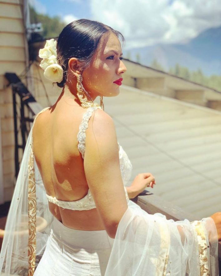 40+ Glamorous Photos of Nia Sharma 5