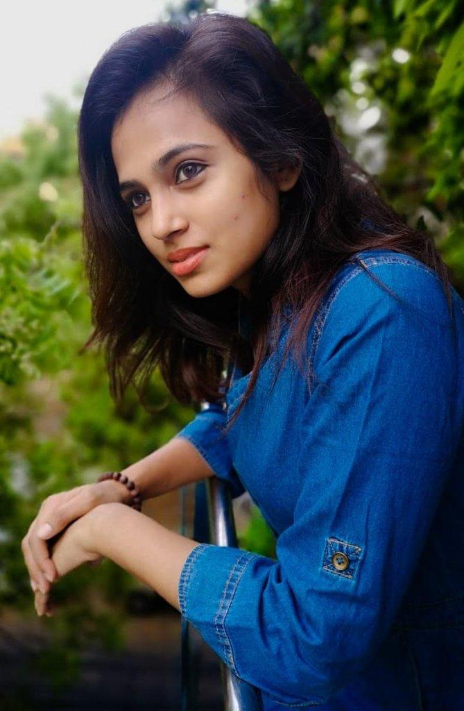 59+ Gorgeous Photos of Ramya Pandiyan 40