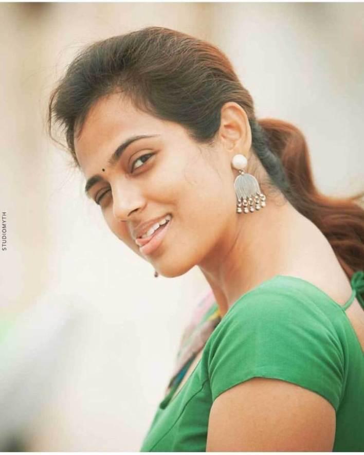 59+ Gorgeous Photos of Ramya Pandiyan 59