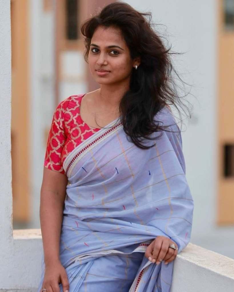 59+ Gorgeous Photos of Ramya Pandiyan 13