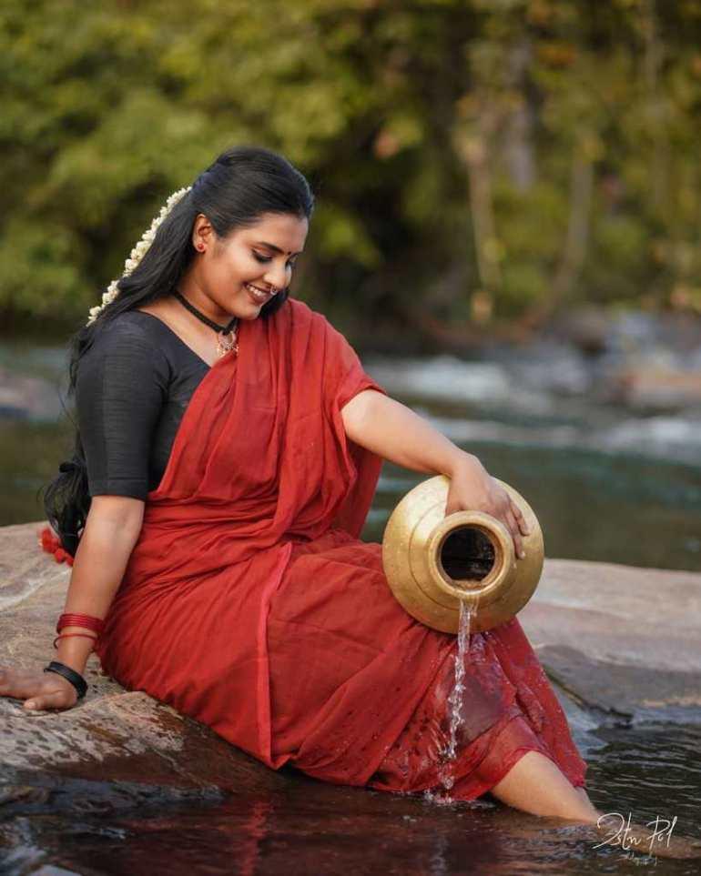 73+ Gorgeous Photos of Roshna Ann Roy 57