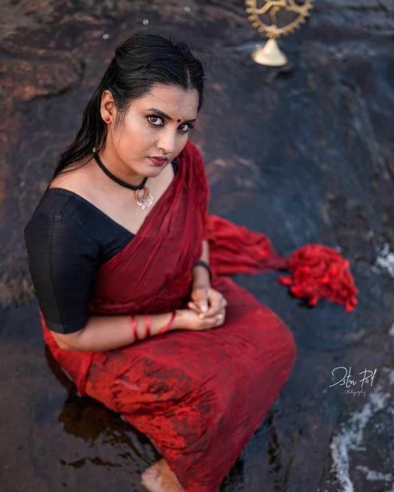 73+ Gorgeous Photos of Roshna Ann Roy 147
