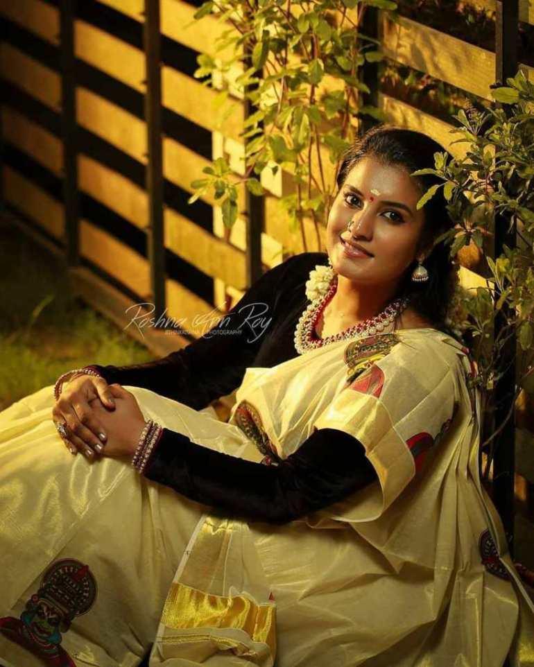 73+ Gorgeous Photos of Roshna Ann Roy 149