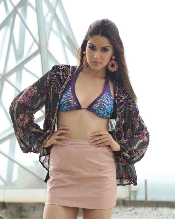 32+ Gorgeous Photos of Sakshi Choudhary 7