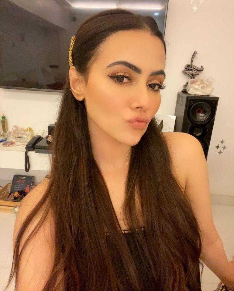 43+ Lovely Photos of Sana Khan 42