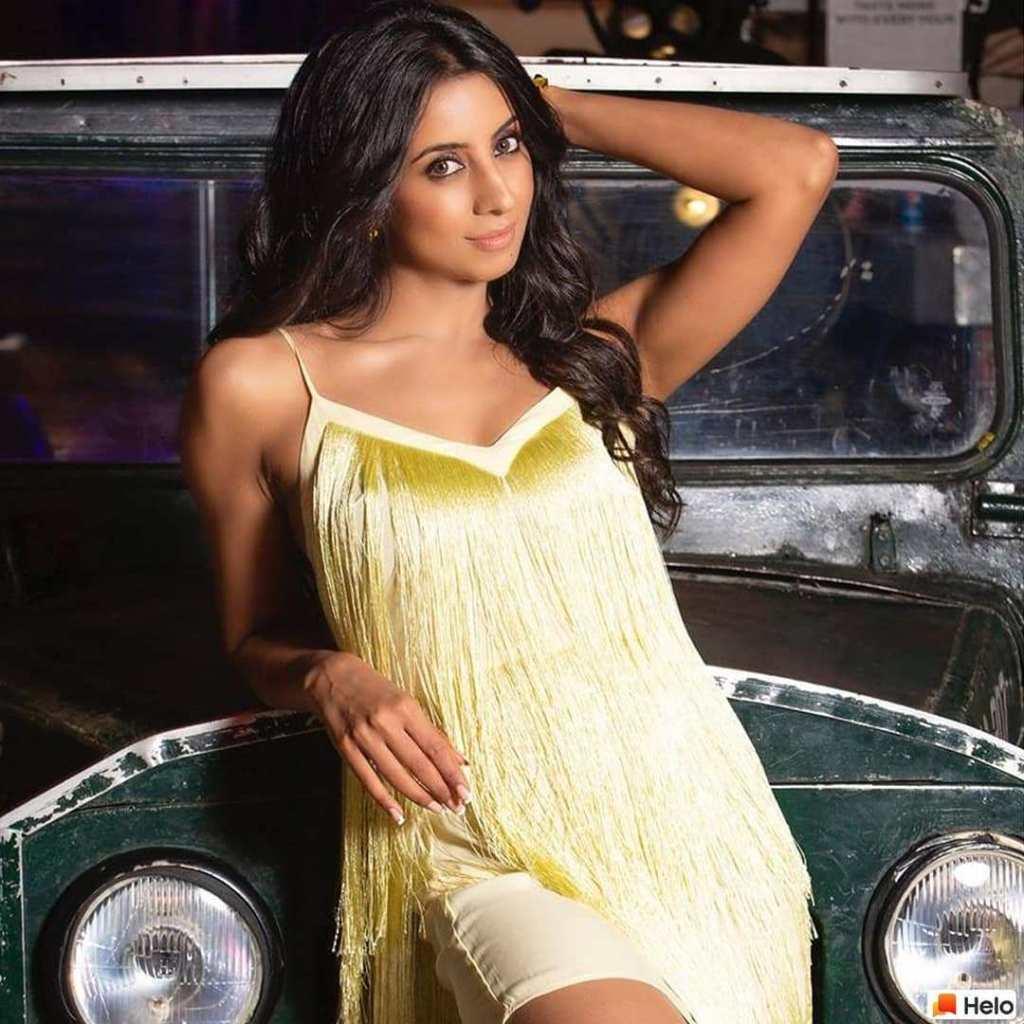 36+ Stunning Photos of Sanjana Galrani 35