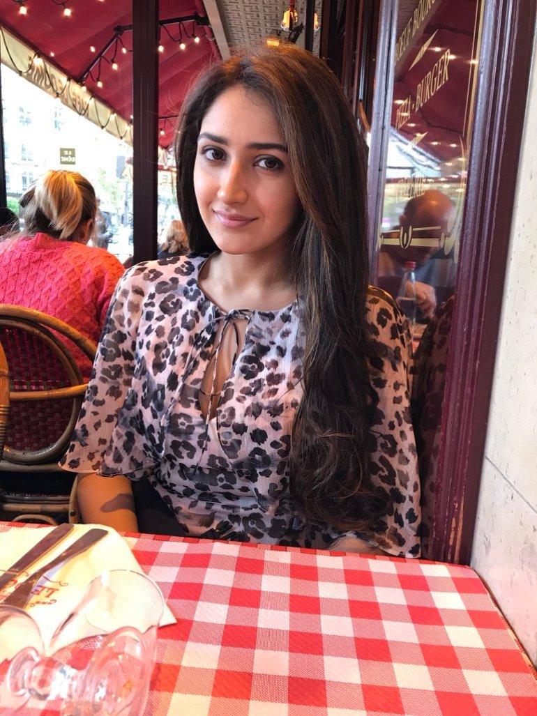 72+ Charming Photos of Sayesha Saigal 122