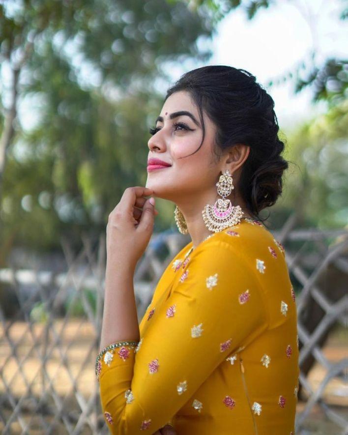 35+ Beautiful Photos of Shamna Kasim 25