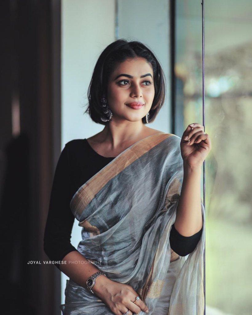 35+ Beautiful Photos of Shamna Kasim 32