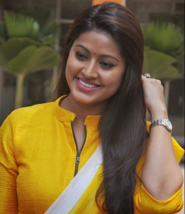 Sneha Prasanna Wiki, Age, Biography, Movies, web series, and Beautiful Photos 21